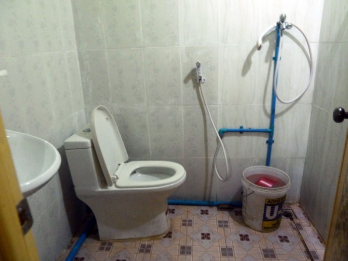 chi phat toilette