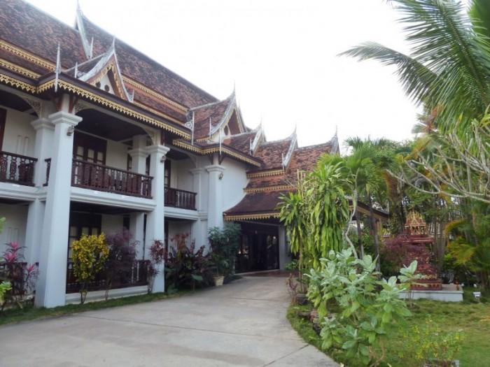 Luang prabang laos blog voyage tinaenvoyage for Maison traditionnelle laos