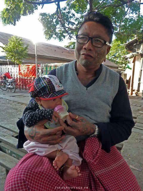 Mandalay bébé et son père