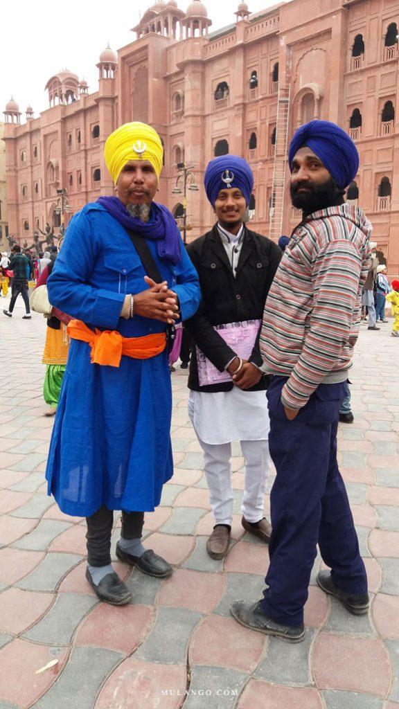 Amritsar, Groupe de Sikhs